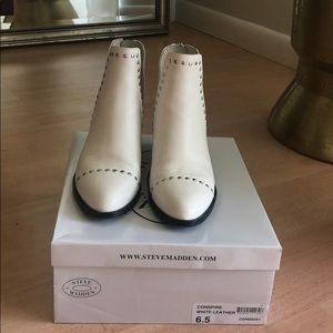 Steve Maden - White leather ankle booties